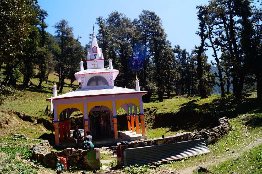 Sarkunda Temple on the way to Nag tibba