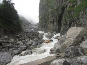 Utttarakhand Trip Trek:  laxman-ganga-river-enroute-valley-of-flowers