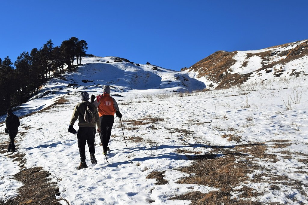 kuari pass snow trek