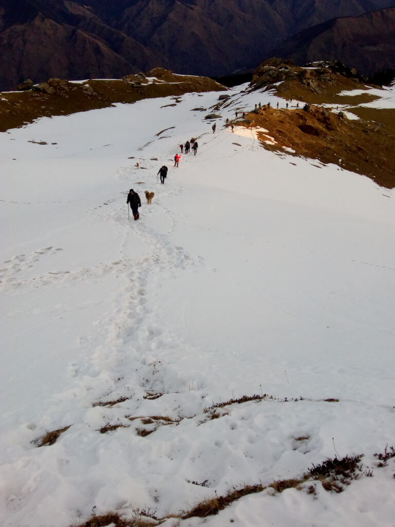 Trek to kedarkantha summit from kedarkantha base camp