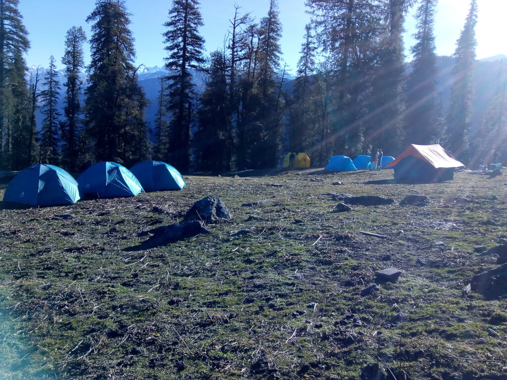 UTT camp site at jadu ka talab at kedarkantha