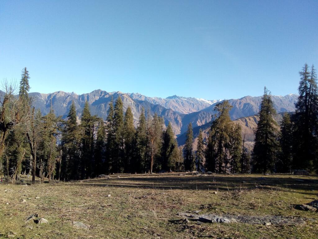 View from jadu ka talab kedarkantha trek
