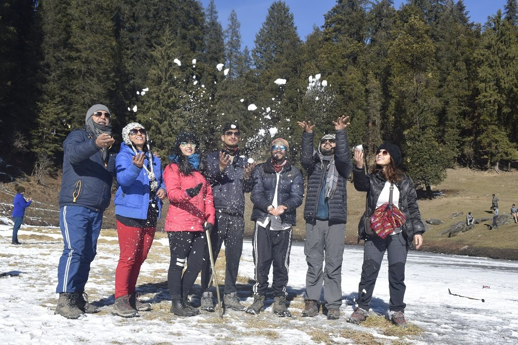 group on kedarkantha trek