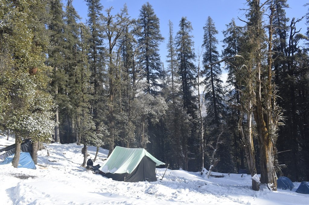 camp site on kedarkantha trek