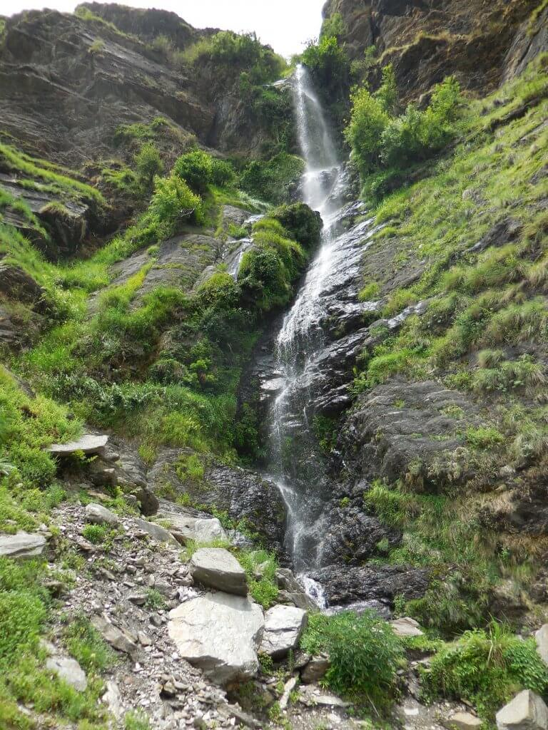 water fall on rupin pass trek