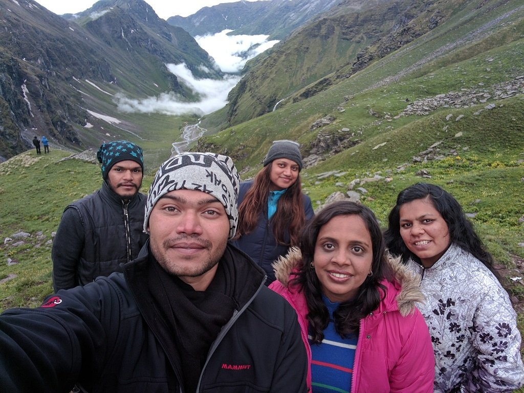 groups of trekkers on rupin pass trek
