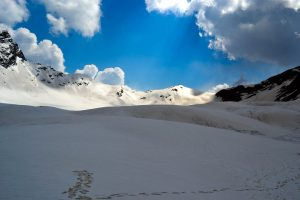 Utttarakhand Trip Trek:  fresh snow fall at bali pass trek