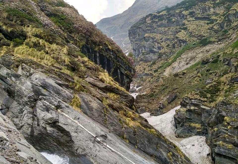 beautiful view in route of sunderdunga trek
