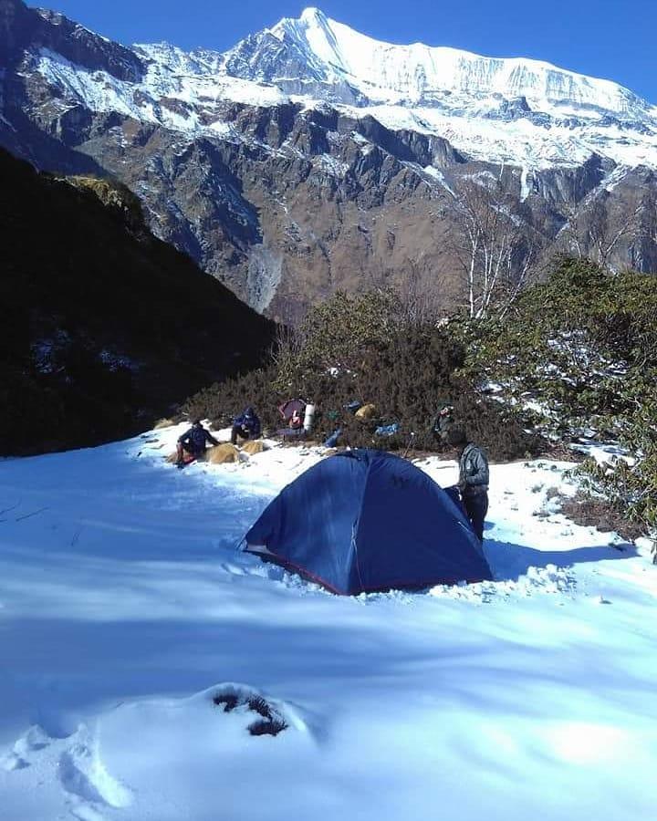 camp site in sunderdunga trek