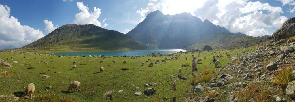trek to kashmir great lake